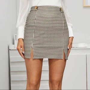 Shein Houndstooth Split Hem Mini Skirt Size Large